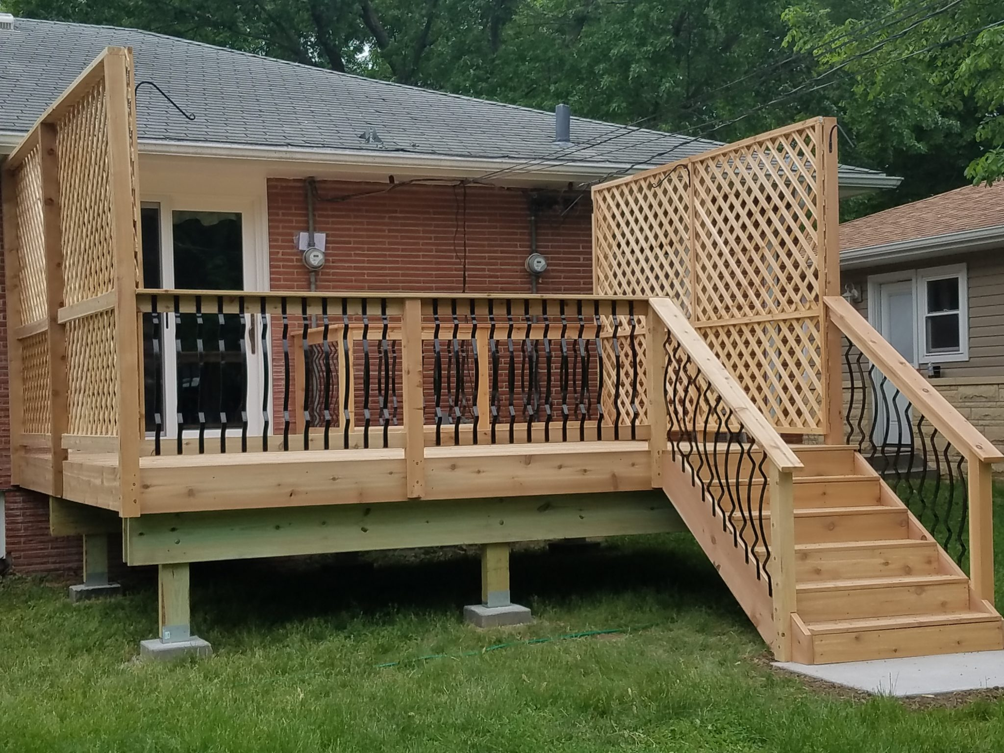 completed_cedar_deck